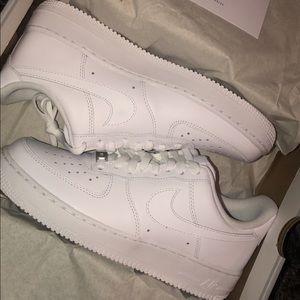 *new* Nike Air Force 1